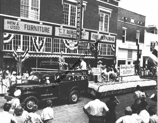 Float in the 1949 White River Water Carnival parade
